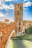 Puente de Scaliger (puente de Castelvecchio) en Verona, Italia Foto de archivo libre de regalías