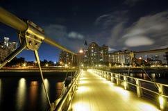 Puente de suspensión peatonal Fotos de archivo libres de regalías