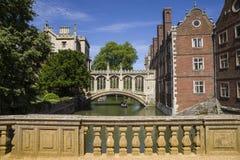 Puente de suspiros en Cambridge Fotos de archivo