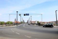 Puente de travesía de los coches Fotografía de archivo