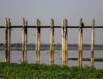 Puente de U Bein en Amarapura, Myanmar imagen de archivo