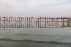 Puente de U-Bein en Mandalay, Myanmar Fotos de archivo