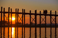 Puente de U Bein, Mandalay, Myanmar Imagen de archivo