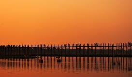 Puente de U-beng en humor de la puesta del sol Foto de archivo libre de regalías