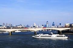 Puente de Waterloo en Londres Foto de archivo libre de regalías