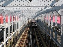 Puente de Williamsburg del subterráneo de New York City Fotos de archivo libres de regalías