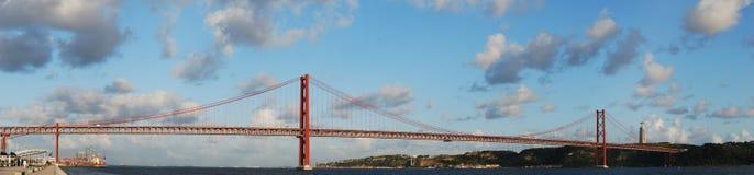 Puente del 25 de abril en Lisboa, Portugal Imágenes de archivo libres de regalías