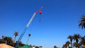 Puente del amortiguador auxiliar en el carnaval almacen de metraje de vídeo