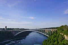Puente del arco iris en Niagara Falls Imágenes de archivo libres de regalías