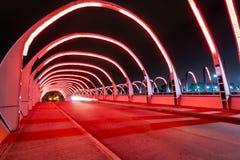 Puente del Bicentenario Tvåhundraårsdag bro på natten - Cordoba, Argentina fotografering för bildbyråer