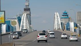 Puente del camino en Astaná almacen de metraje de vídeo