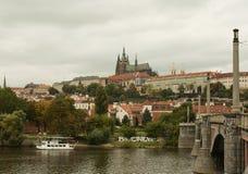 Puente del castillo y de Charles en Praga Fotos de archivo libres de regalías