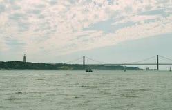 Puente del 25 de abril Foto de archivo libre de regalías