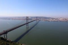 Puente del 25 de abril en Lisboa Foto de archivo libre de regalías