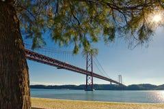 Puente del 25 de abril - Lisboa, Portugal Imágenes de archivo libres de regalías
