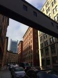Puente del edificio fotos de archivo libres de regalías