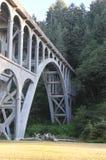 Puente del faro de la cabeza de Heceta imagen de archivo libre de regalías