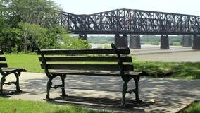Puente del ferrocarril sobre ellos río Misisipi Memphis almacen de video