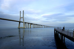 Puente del Gama de Vasco DA, el puente más grande de Europa Imágenes de archivo libres de regalías