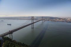 Puente del Gama de Vasco DA en la oscuridad Fotografía de archivo libre de regalías