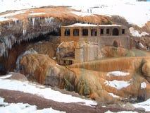 Puente del Inca, la Argentina, termal riega el baño Foto de archivo libre de regalías
