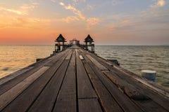 Puente del mar de Tailandia viejo imagen de archivo libre de regalías