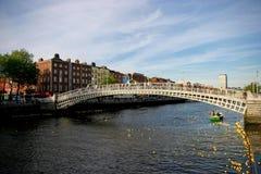 Puente del medio penique, Dublín Foto de archivo libre de regalías