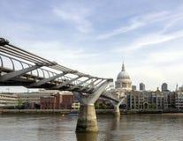 Puente del milenio Fotografía de archivo libre de regalías