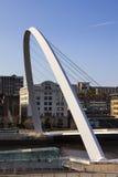 Puente del milenio de Gateshead Foto de archivo