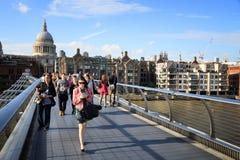Puente del milenio, Londres Foto de archivo libre de regalías