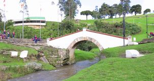 Puente del monumento de guerra de Colombia Tunja de Boyaca almacen de video