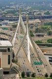 Puente del monumento de la colina de arcón de Leonard P. Zakim imagen de archivo
