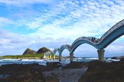 Puente del ocho-arco del ` s de Sanxiantai, cerca de Chenggong, en área escénica nacional de la costa este del ` s de Taiwán Fotos de archivo