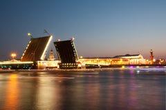 Puente del palacio Fotos de archivo libres de regalías