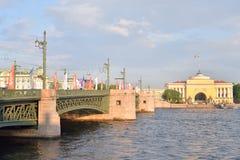 Puente del palacio, StPetersburg Imagenes de archivo
