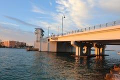 Puente del paso de Juan en la Florida en la noche fotografía de archivo libre de regalías