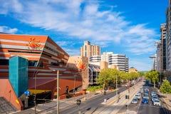Puente del pie de la ciudad de Adelaide y hotel intercontinental Fotografía de archivo libre de regalías