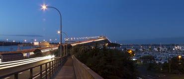 Puente del puerto de Auckland en la noche Foto de archivo