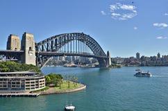 Puente del puerto que recorre Foto de archivo libre de regalías