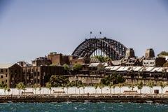 Puente del puerto sobre las rocas del puerto de Darlinghurst Imagen de archivo