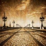 Puente del río de Burdeos con las pistas ferroviarias Imagenes de archivo