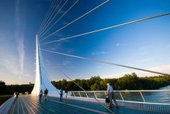 Puente del reloj de sol, Redding, California Imagenes de archivo
