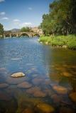 Puente del Romanesque en Ávila, España Imagen de archivo libre de regalías