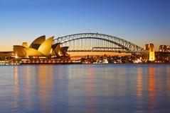 Puente del teatro de la ópera y del puerto de Sydney Imágenes de archivo libres de regalías