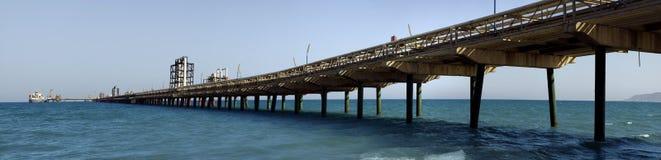 Puente del tubo de petróleo Fotos de archivo libres de regalías