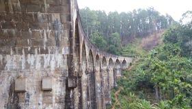 Puente Demoodara Sri Lanka de nueve arcos Foto de archivo