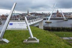 Puente Derry Northern Ireland de la paz Foto de archivo