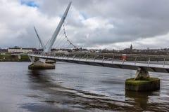 Puente Derry Northern Ireland de la paz Fotos de archivo
