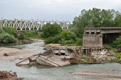 Puente destruido foto de archivo libre de regalías