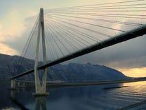 Puente durante puesta del sol Imagen de archivo libre de regalías
